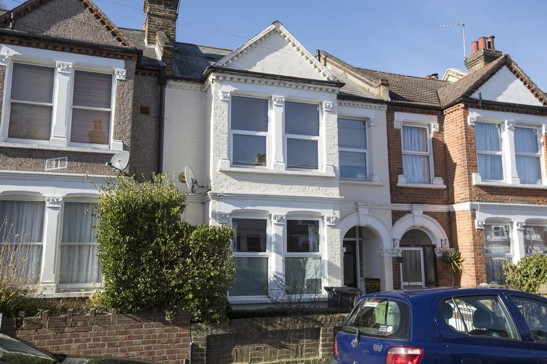 Flat - Conversion Sale Agreed in Overcliff Road, SE13 270 view1