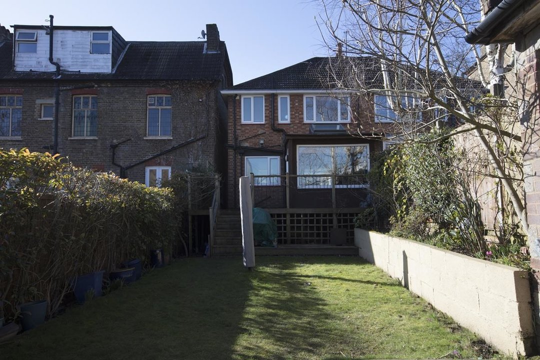 House - Terraced Sale Agreed in Panmure Road, SE26 271 view15
