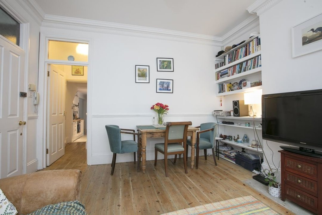 Flat/Apartment For Sale in Paulet Road, SE5 282 view4