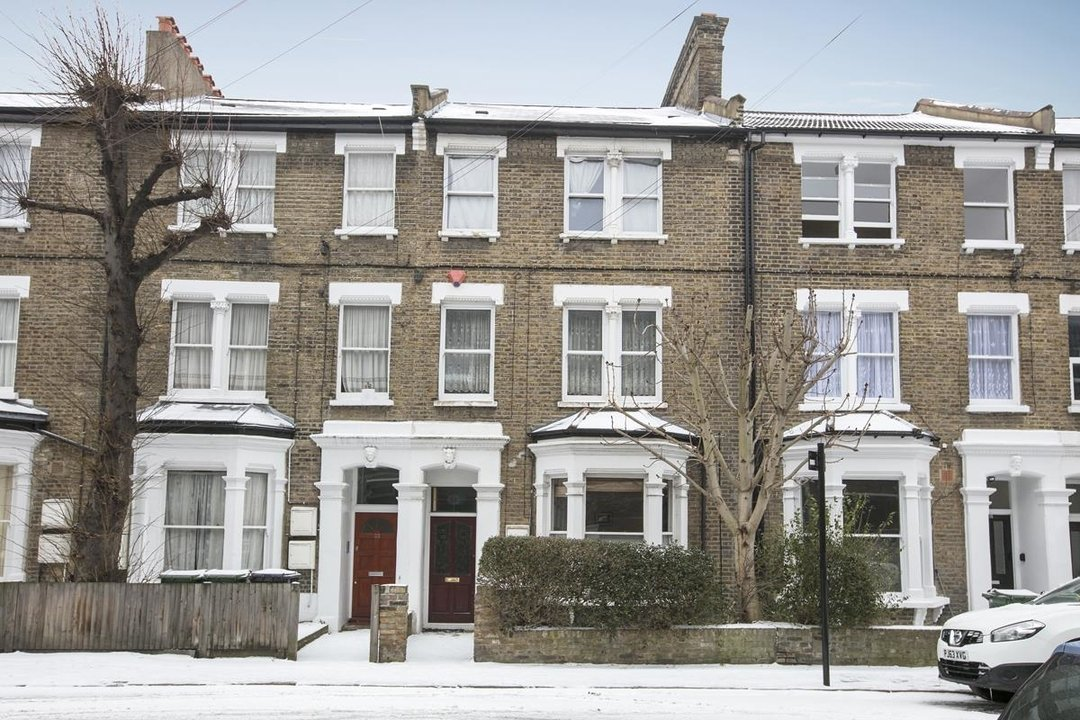Flat/Apartment For Sale in Paulet Road, SE5 282 view2