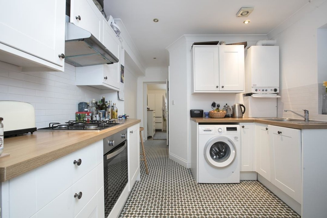 Flat/Apartment For Sale in Paulet Road, SE5 282 view3
