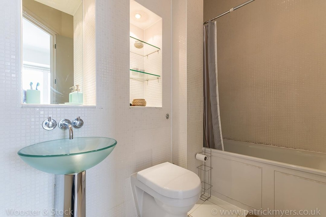 Flat/Apartment For Sale in Peckham Grove, SE15 202 view12