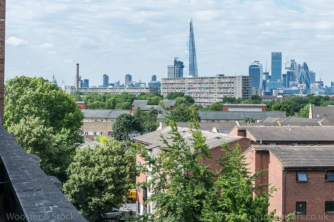 Flat/Apartment For Sale in Peckham Grove, SE15 202 view2