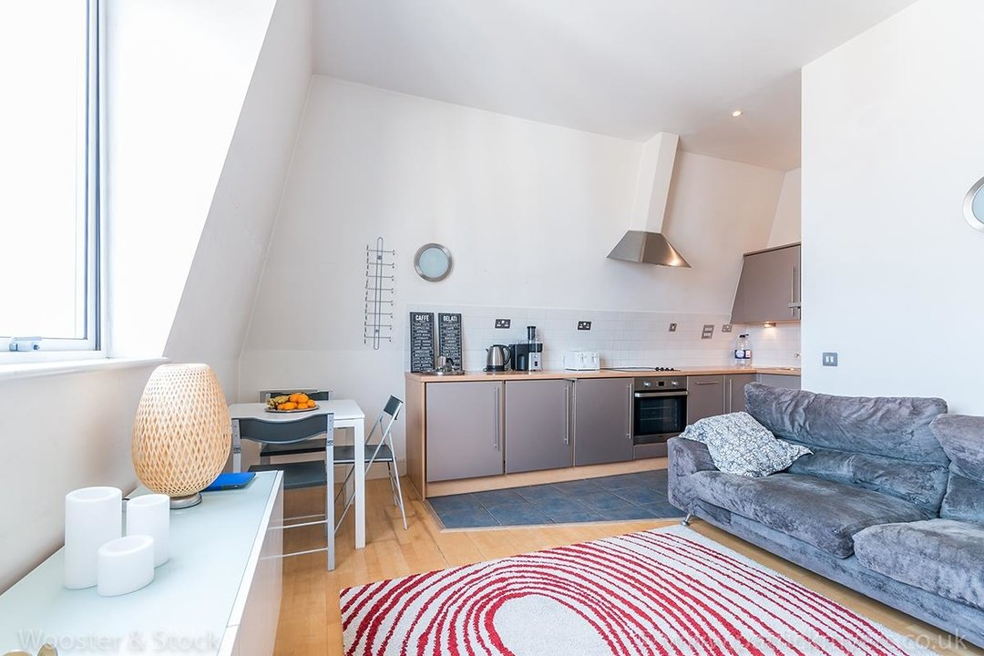 Flat/Apartment For Sale in Peckham Grove, SE15 202 view7