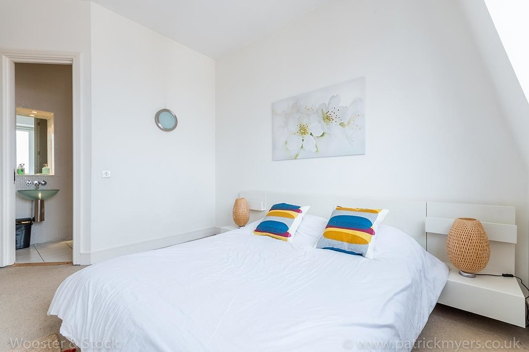 Flat/Apartment For Sale in Peckham Grove, SE15 202 view11