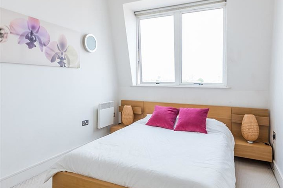Flat/Apartment For Sale in Peckham Grove, SE15 202 view9