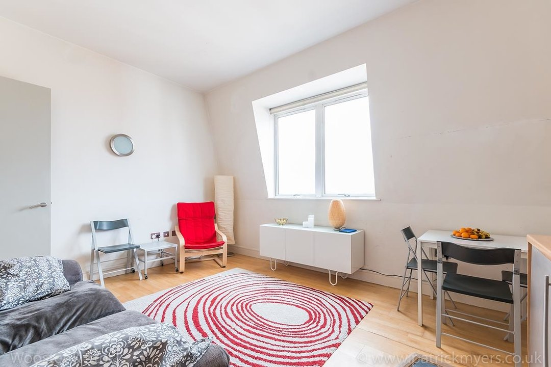 Flat/Apartment For Sale in Peckham Grove, SE15 202 view1
