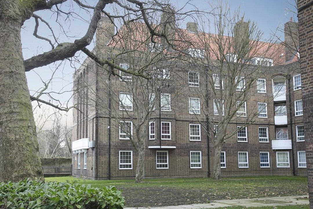 Flat/Apartment Sold in Peckham Road, SE5 285 view1