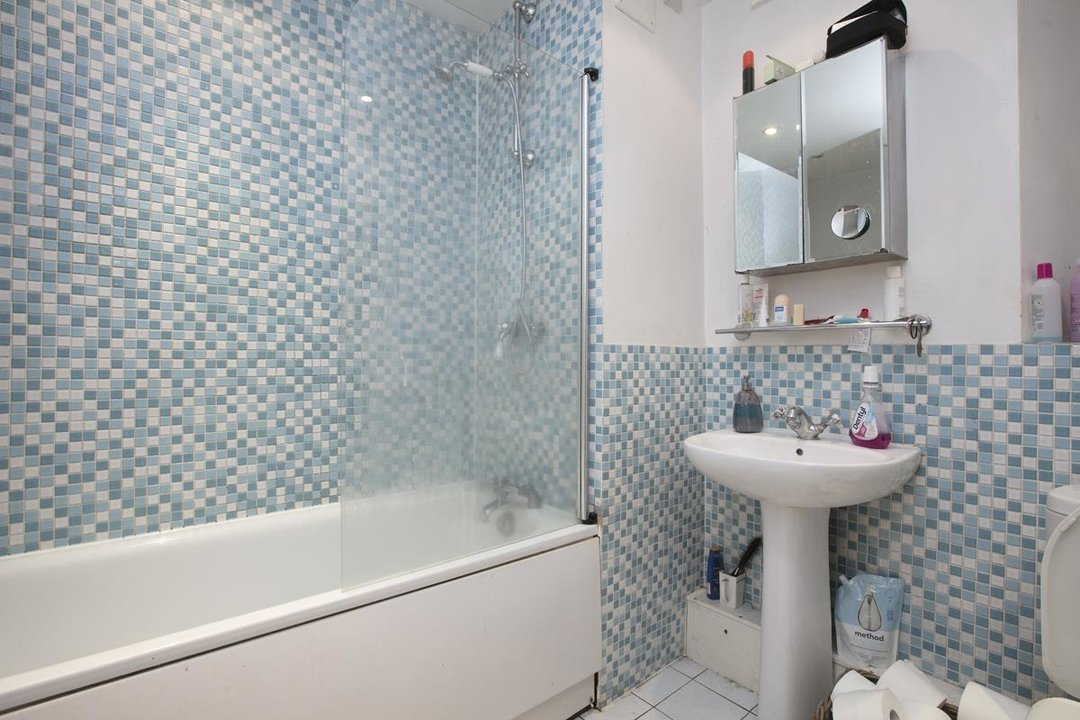 Flat/Apartment Sold in Peckham Road, SE5 285 view6