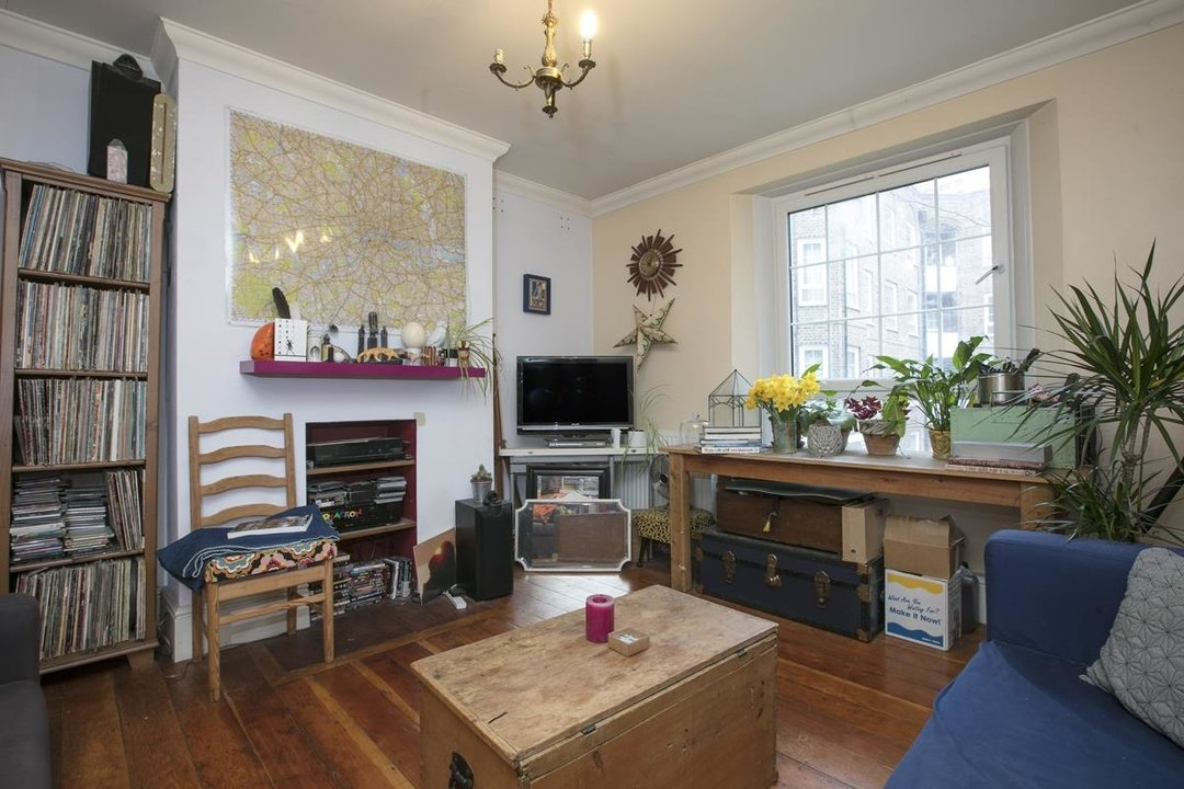 Flat/Apartment Sold in Peckham Road, SE5 285 view2