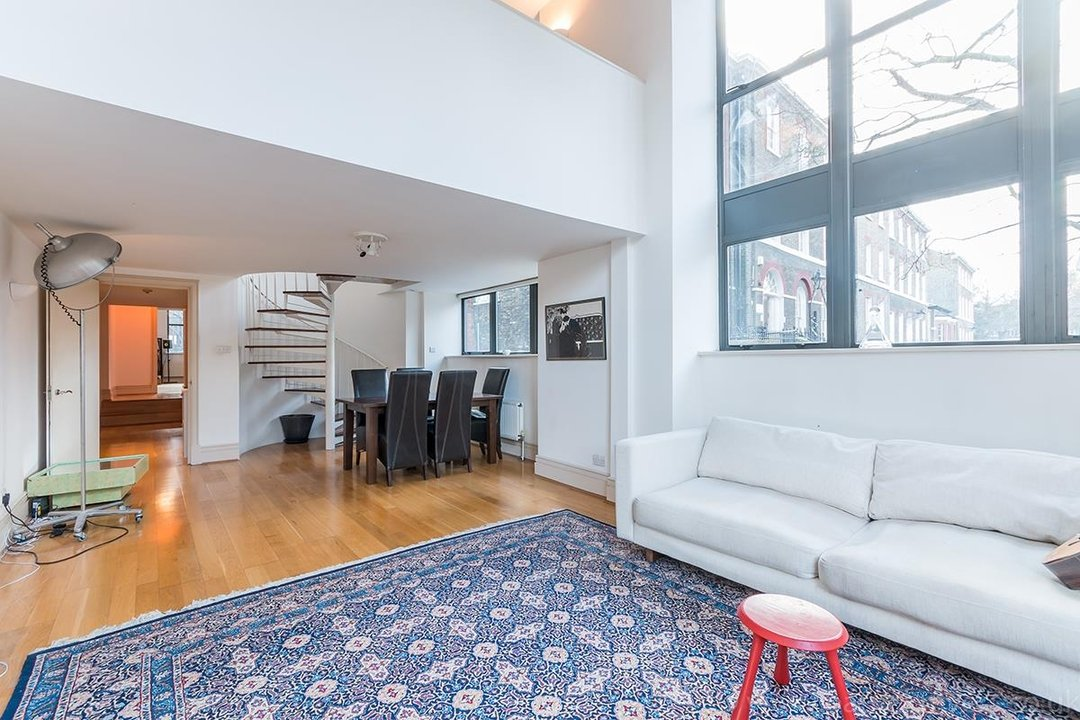 Flat/Apartment For Sale in Peckham Road, SE5 44 view1