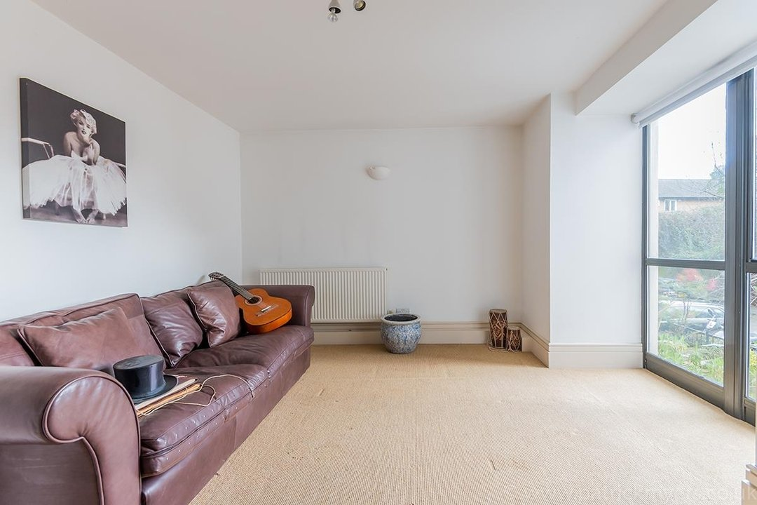 Flat/Apartment For Sale in Peckham Road, SE5 44 view13