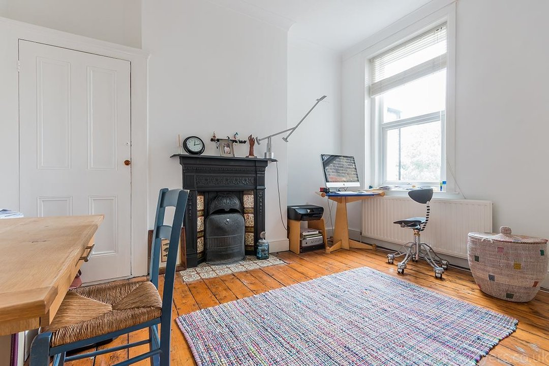 House - Terraced Sold in Peckham Rye, London SE15 119 view12