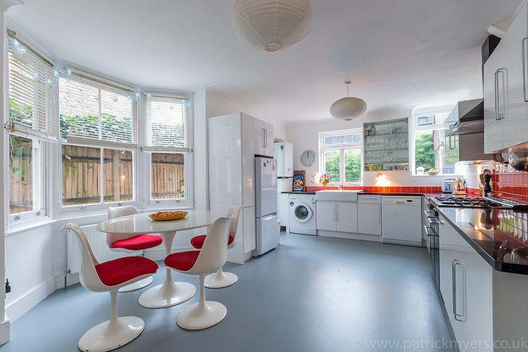 House - Terraced Sold in Peckham Rye, London SE15 119 view6