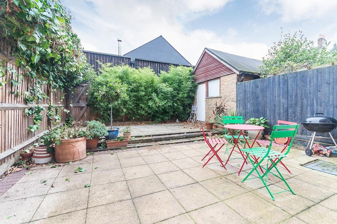 House - Terraced Sold in Peckham Rye, London SE15 119 view15