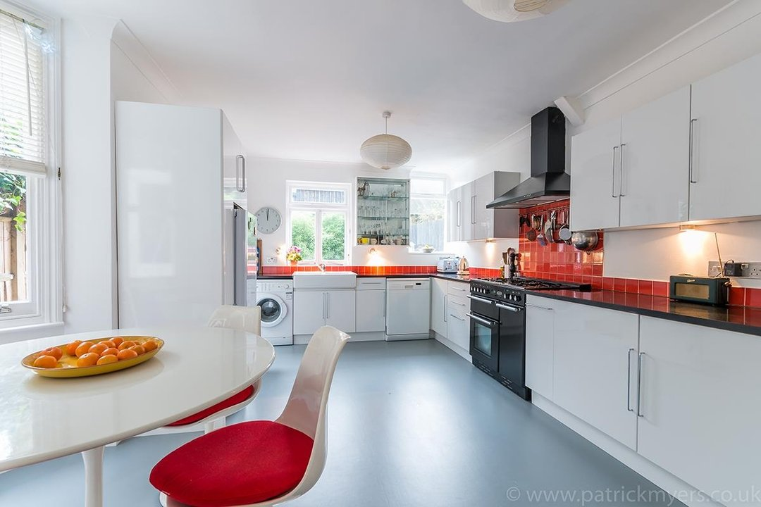 House - Terraced Sold in Peckham Rye, London SE15 119 view7