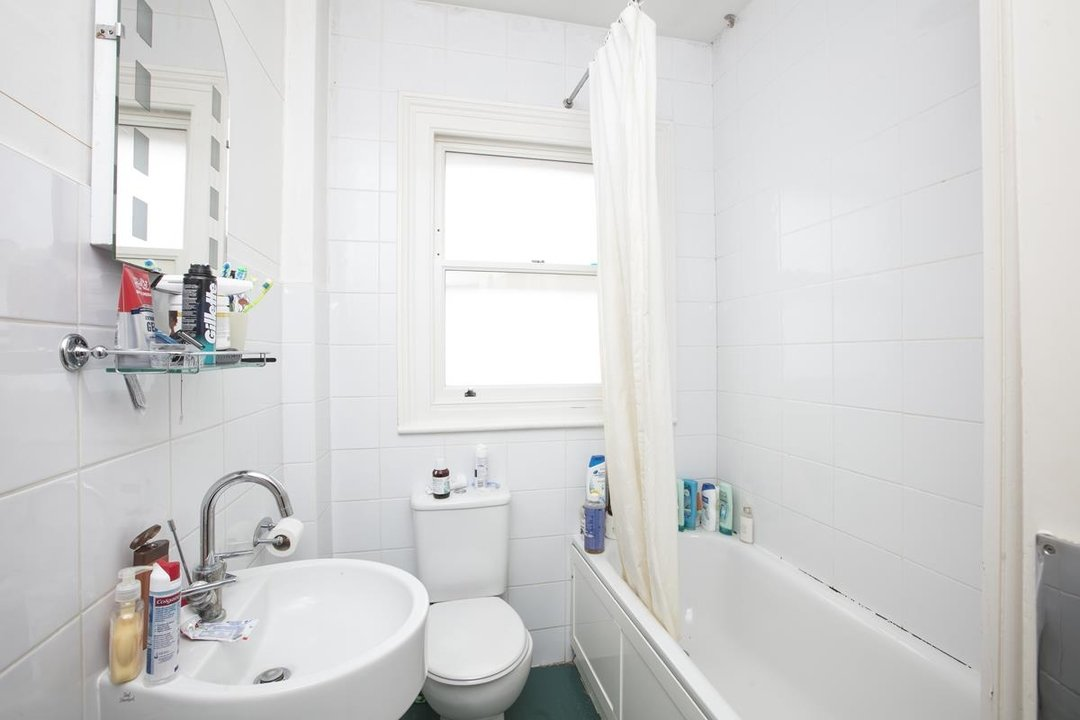 House - Semi-Detached For Sale in Perry Vale, SE23 302 view19