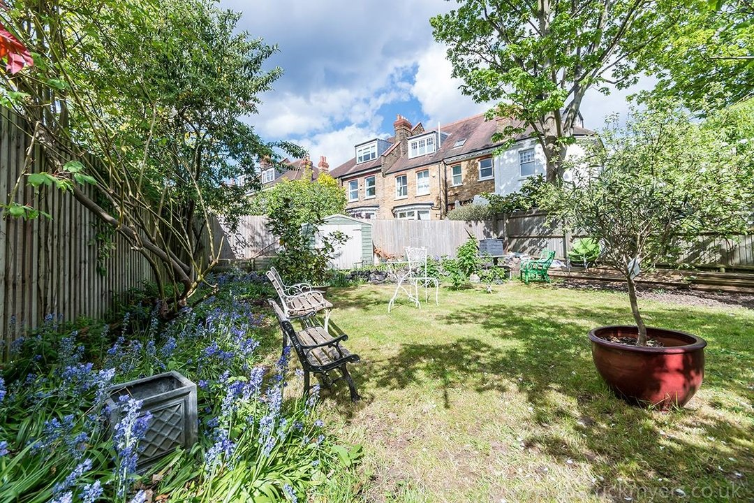 House - Semi-Detached For Sale in Perry Vale, SE23 89 view5