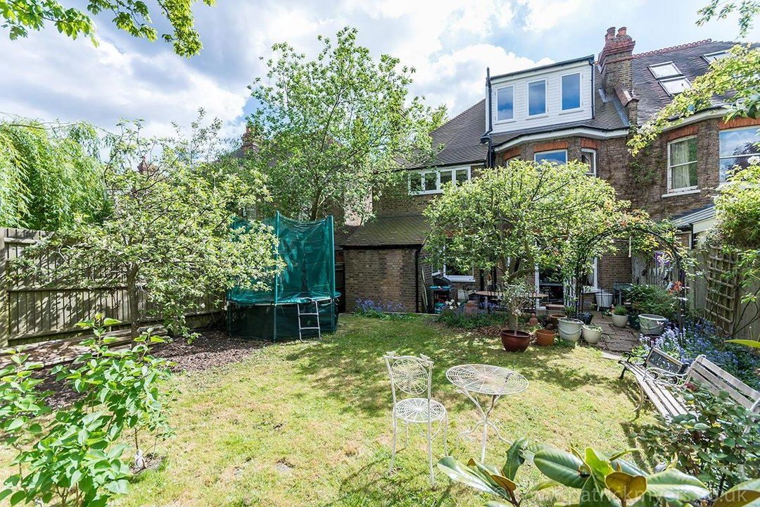 House - Semi-Detached For Sale in Perry Vale, SE23 89 view26