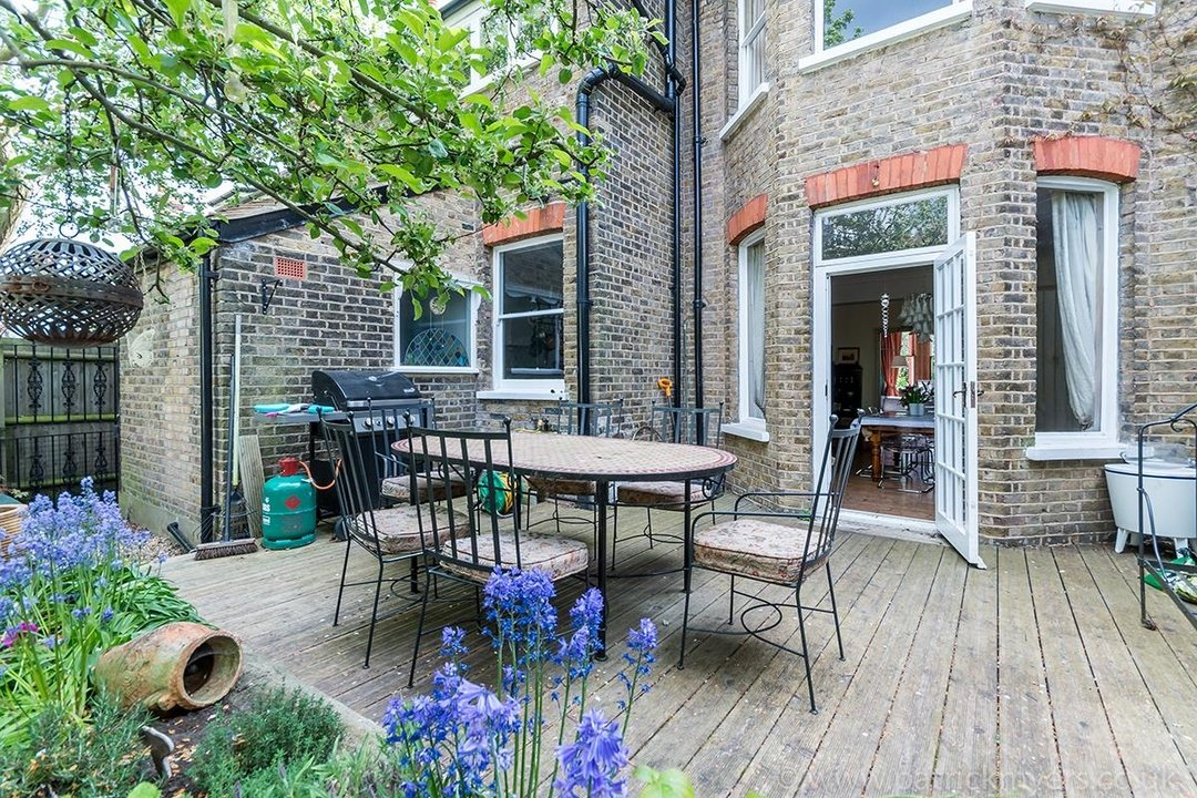 House - Semi-Detached For Sale in Perry Vale, SE23 89 view24
