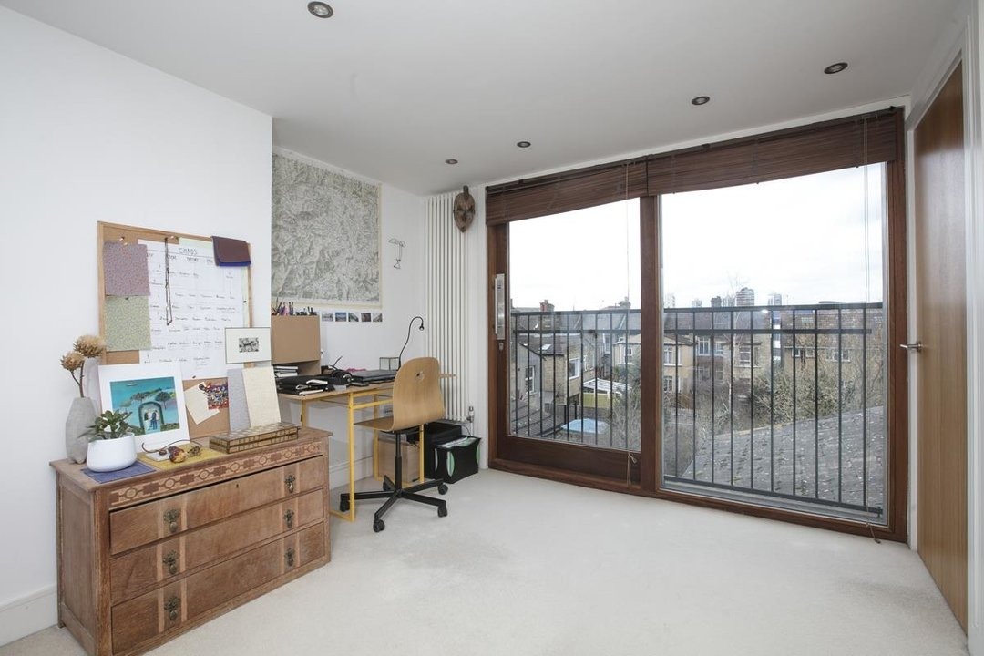 House - Terraced Sale Agreed in Rainbow Street, SE5 284 view10
