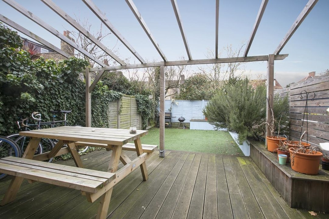 House - Terraced Sale Agreed in Rainbow Street, SE5 284 view5