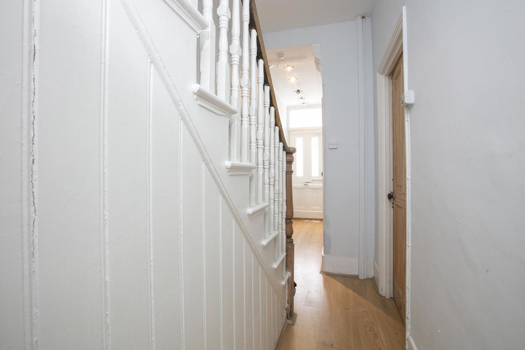 House - Terraced Sale Agreed in Rainbow Street, SE5 284 view7