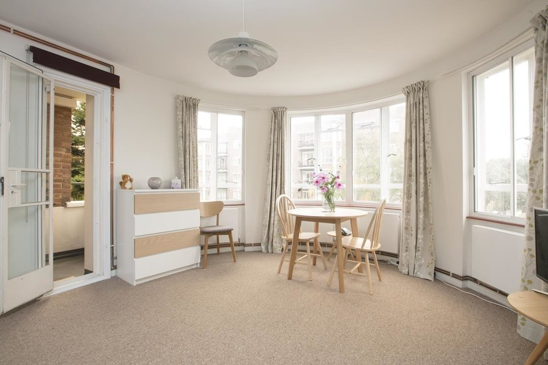 Flat - Purpose Built For Sale in Ruskin Park House, Champion Hill, SE5 212 view2
