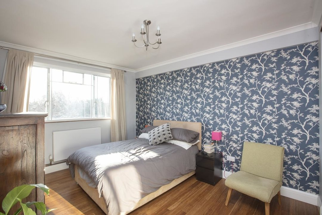 Flat - Purpose Built For Sale in Ruskin Park House, Champion Hill, SE5 236 view6