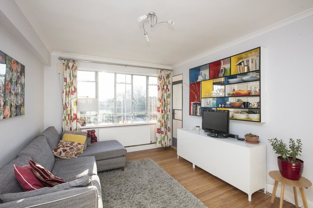 Flat - Purpose Built For Sale in Ruskin Park House, Champion Hill, SE5 236 view2