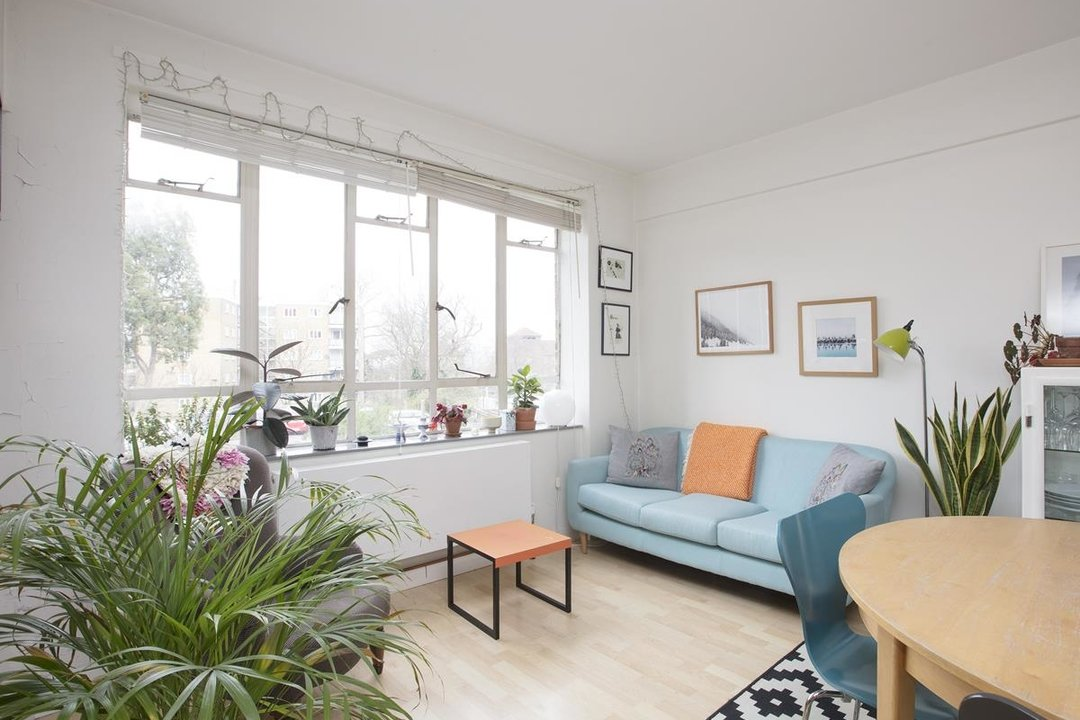 Flat - Purpose Built Sale Agreed in Ruskin Park House, Champion Hill, SE5 276 view3