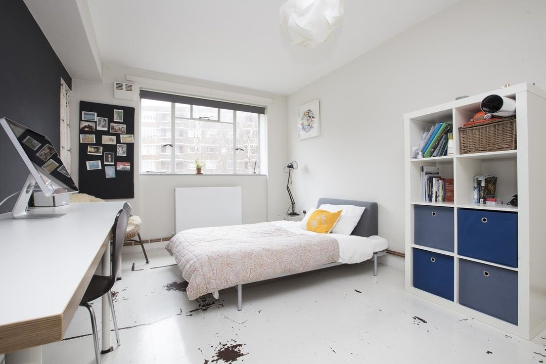 Flat - Purpose Built Sale Agreed in Ruskin Park House, Champion Hill, SE5 276 view9