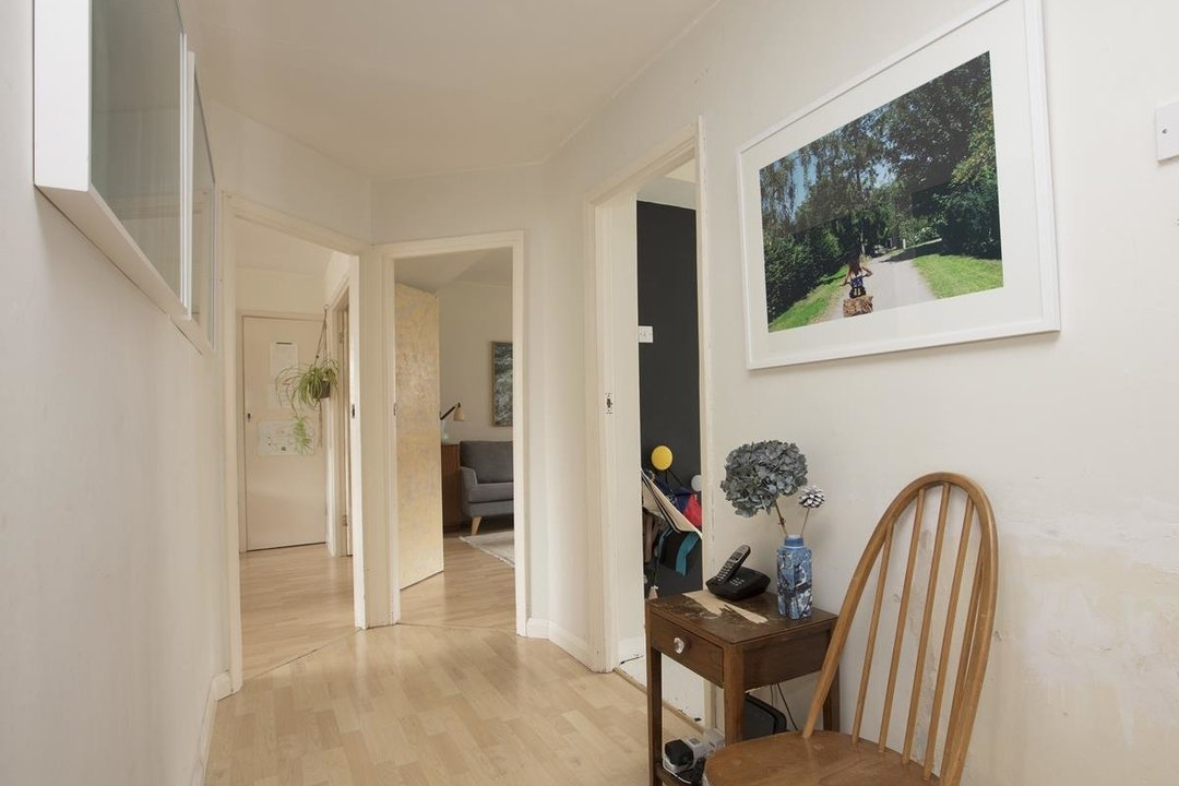 Flat - Purpose Built Sale Agreed in Ruskin Park House, Champion Hill, SE5 276 view13
