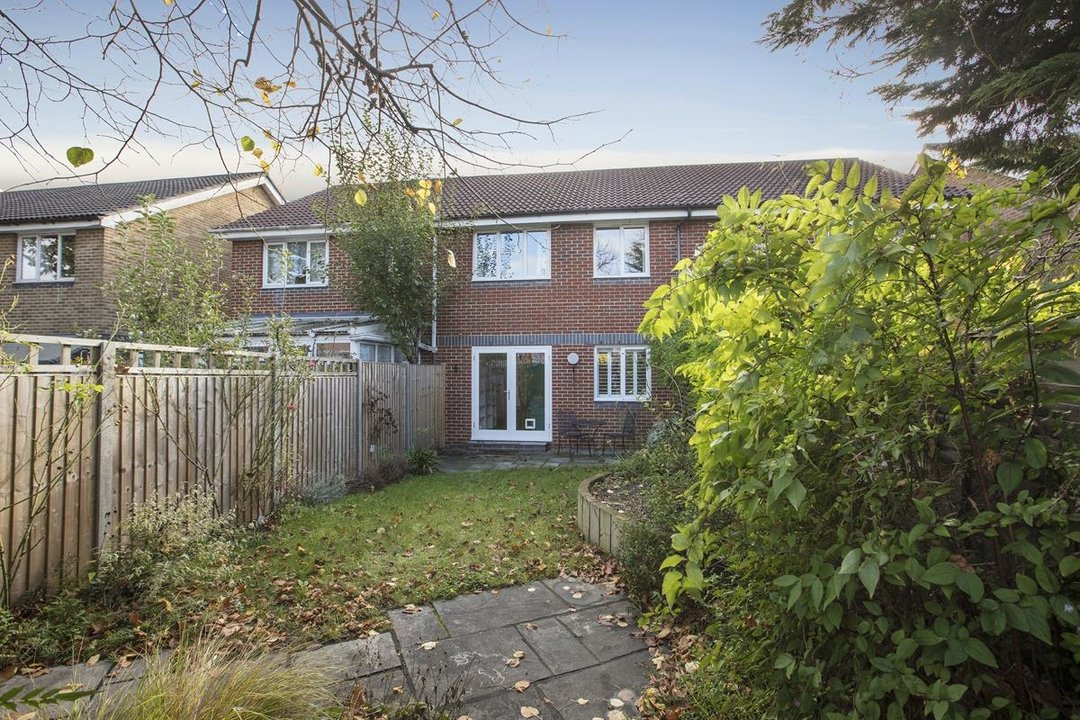 House - Terraced Sale Agreed in Sandlings Close, SE15 217 view6