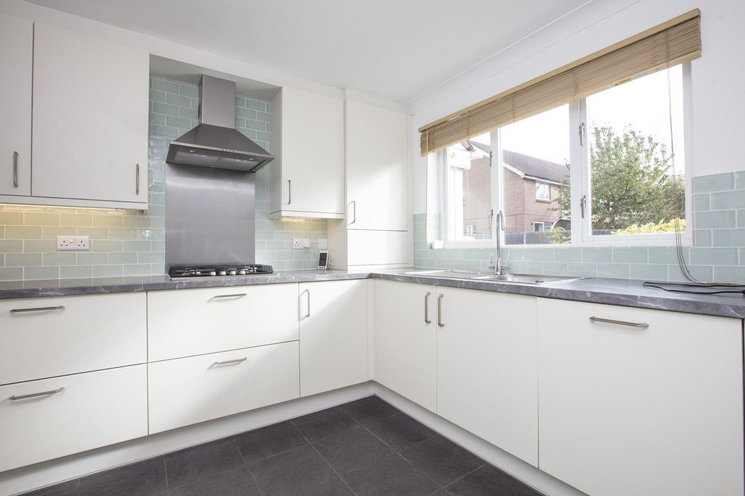 House - Terraced Sale Agreed in Sandlings Close, SE15 217 view3