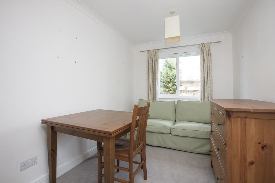 House - Terraced Sale Agreed in Sandlings Close, SE15 217 view10