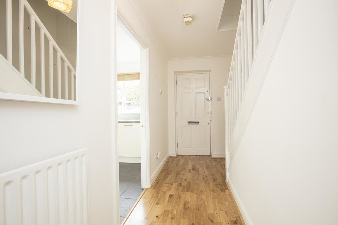 House - Terraced Sale Agreed in Sandlings Close, SE15 217 view5