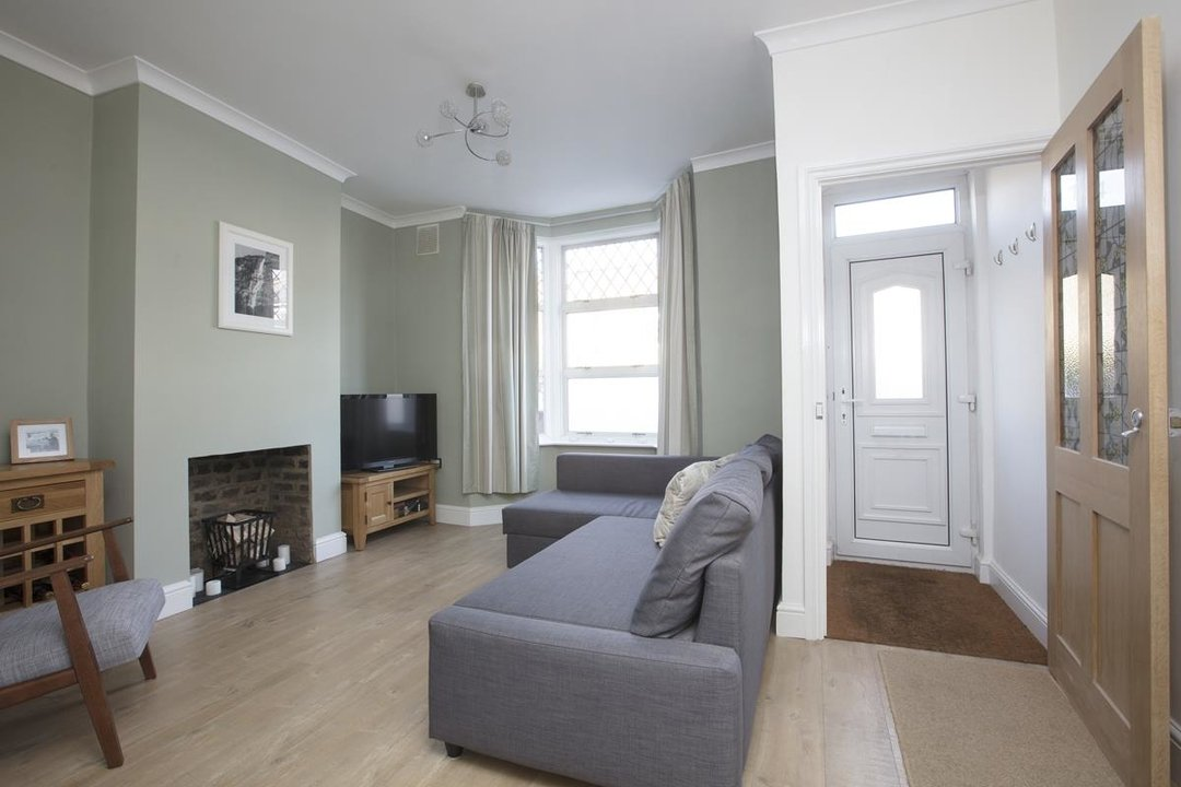 House - Terraced For Sale in Scylla Road, SE15 249 view2