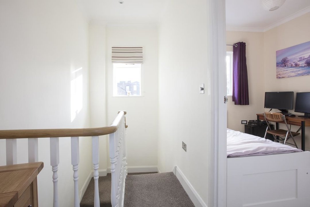 House - Terraced For Sale in Scylla Road, SE15 249 view9