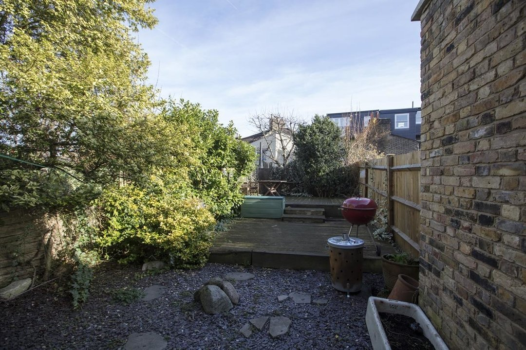 Flat - Conversion Sale Agreed in Shardeloes Road, Brockley, SE14 260 view4