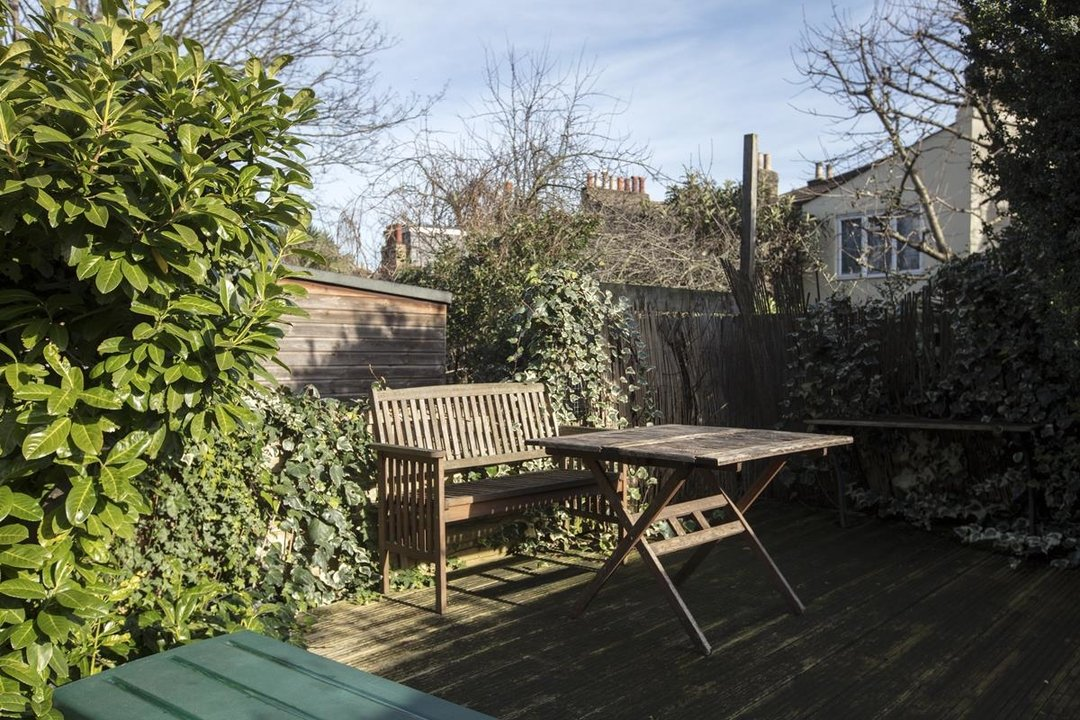 Flat - Conversion Sale Agreed in Shardeloes Road, Brockley, SE14 260 view2