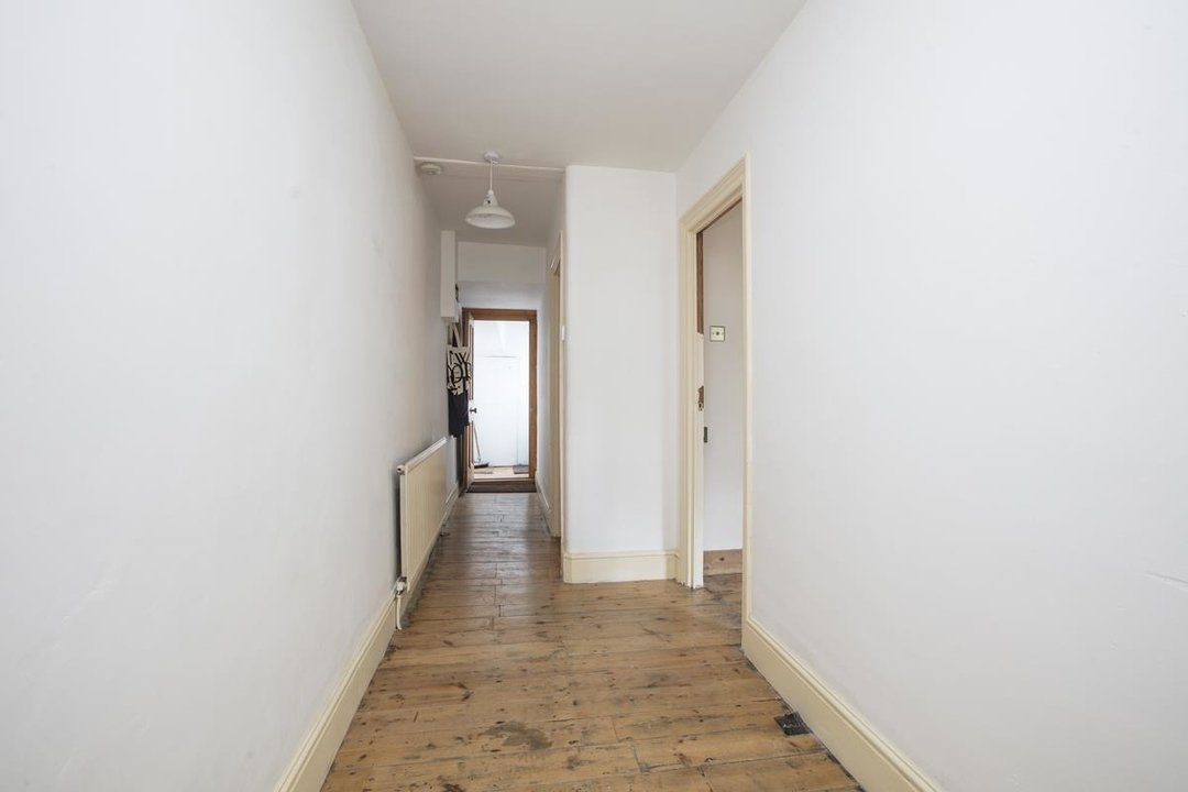 Flat - Conversion Sale Agreed in Shardeloes Road, Brockley, SE14 260 view9