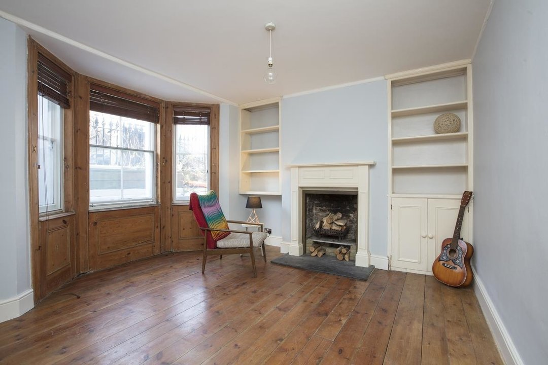 Flat - Conversion Sale Agreed in Shardeloes Road, Brockley, SE14 260 view3