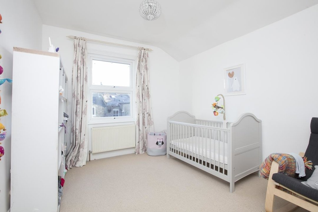 House - Terraced For Sale in Shenley Road, SE5 254 view9