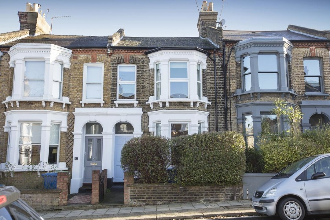House - Terraced For Sale in Shenley Road, SE5 254 view1