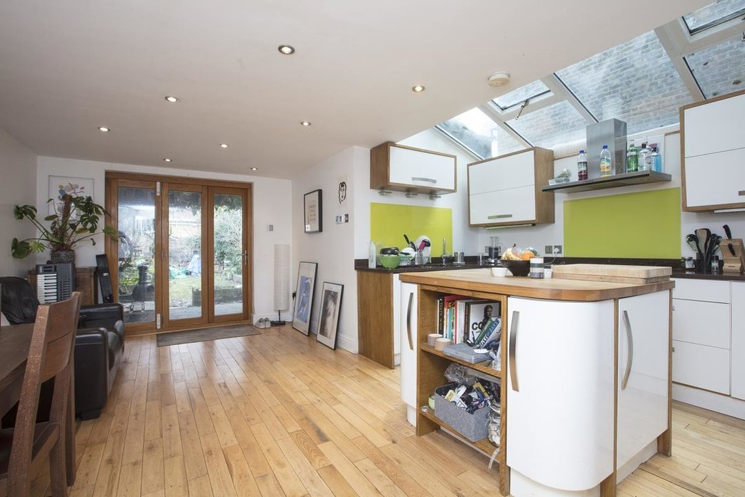 House - Terraced For Sale in Shenley Road, SE5 277 view2