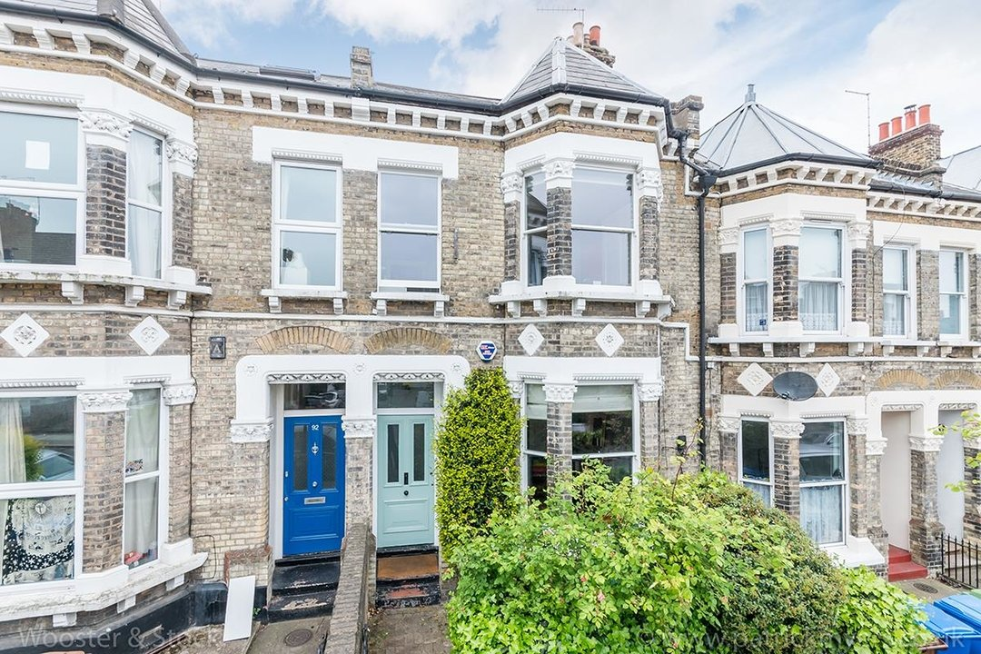 House - Terraced Sold in Shenley Road, SE5 84 view1