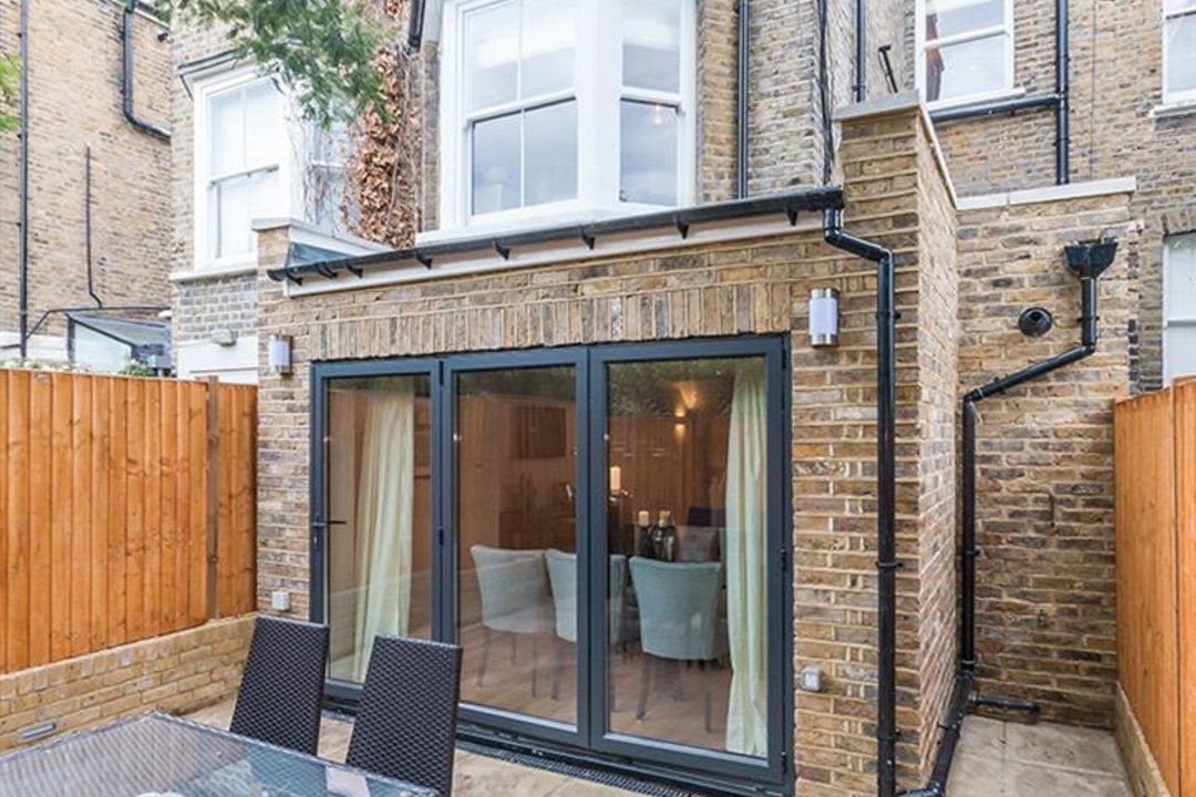 House - Terraced Sold in Shenley Road, SE5 88 view17