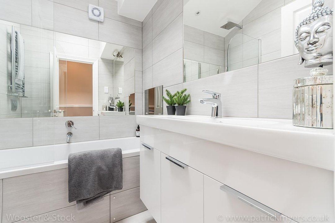 House - Terraced Sold in Shenley Road, SE5 88 view15