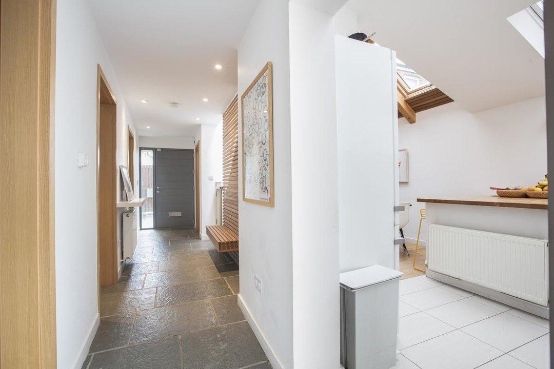 House - Detached For Sale in Solomons Passage, SE15 280 view4